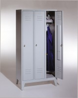 Garderoben- Stahlspinde Breite 900 mm (Bestell.-Nr. 5.8010-30-009)