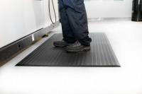 Arbeitsplatzmatte Orthomat® Ribbed, schwarz 600 x 900 mm
