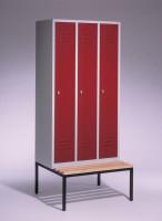 Garderoben- Stahlspinde mit Sitzbank Breite 920 mm