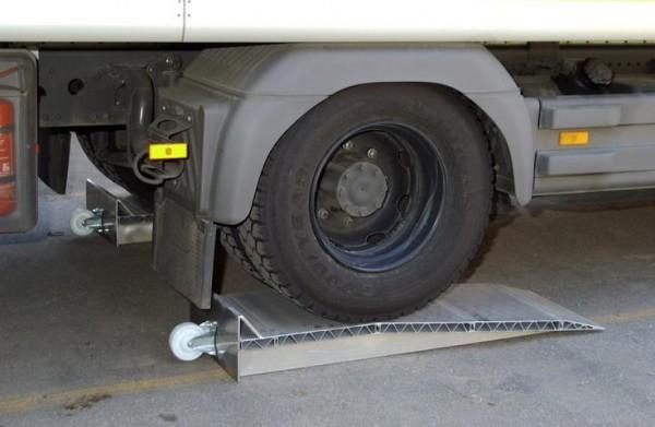 Auffahrkeile für LKW, Tragkraft/Paar 12.000 kg, Höhe 290 mm, 2 Stück Aluminium