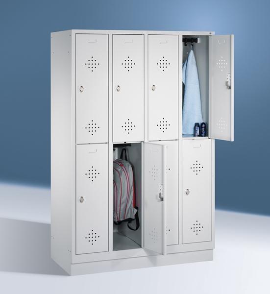 Doppelstöckige Garderobenschränke mit Sockel, Breite 1220 mm, 8 Fächer in 300 mm Breite, in 3 Farben